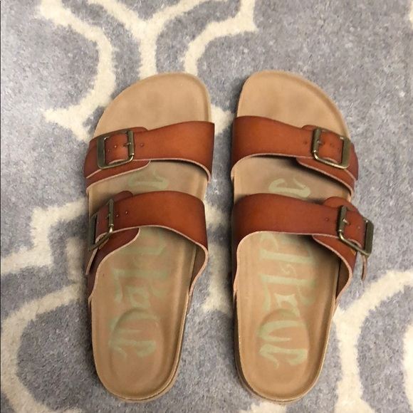 671b31716642 Mad Love Shoes - Women s Mad Love Keava Footbed sandal size 7